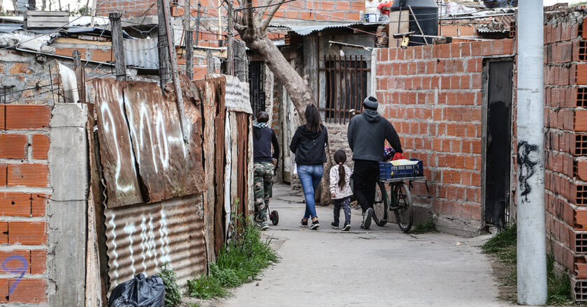 Villas o barrios populares, los nombres y las medidas de la desigualdad en Argentina