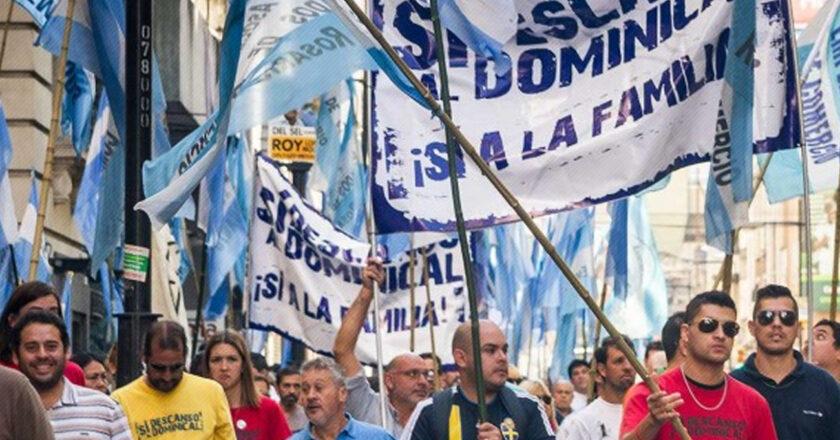 Un caso líder: el descanso dominical de los mercantiles, que durmió tres años